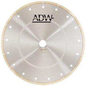 Deimantiniai pjovimo diskai akmens masės plytelėms