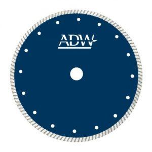 Deimantiniai pjovimo diskai greitam pjovimui